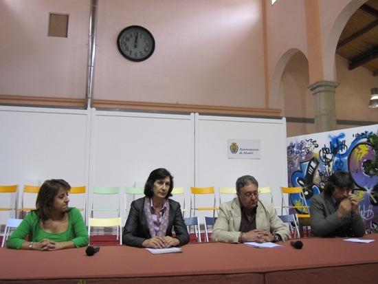 La alcaldesa de Alcañiz, la consejera, el presidente de ALBADA y el gerente de ATADI