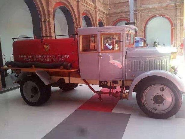El Ayuntamiento acordó en pleno adquirir un camión tanque para riegos e incendios (foto obtenida a través de Facebook).