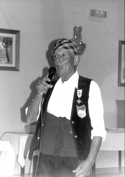 """José Iranzo, el """"Pastor de Andorra"""", fue homenajeado por sus convecinos en 1982"""