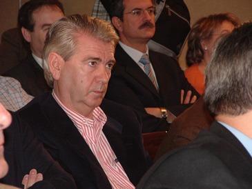 Una imagen del Diputado del PP, Santiago Lanzuela