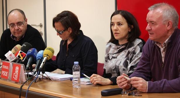 En la imagen , los concejales socialistas JR Morro, Maite Pérez, Maria Jesús Sanjuan y Pedro J. Simón