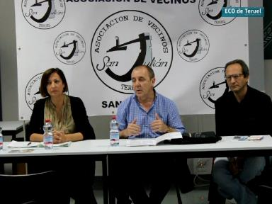 En el centro el presidente de la Asociación Jose Luis Trasobares, flanqueado por la Vicepresidenta Mar Herrero