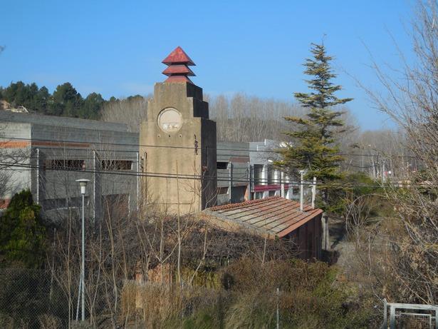 Durante mucho tiempo los problemas de suministro de agua fueron endémicos en la ciudad; en 1948 todavía se trabajaba en solucionarlos. En la foto, la estación de bombeo que aún se conserva, inaugurada en 1931.