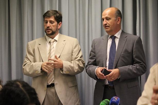 Carlos Ranera , a la derecha, con Sergio Puerto en la Rueda de prensa de ayer