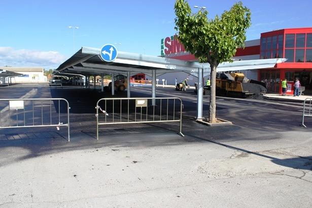 Una imagen del aparcamiento de Simply , esta misma mañana