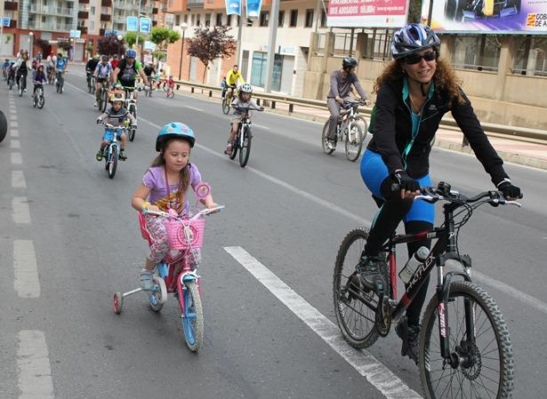 Turolenses de todas las edades han participado en la edición de este año del Día de la Bicicleta