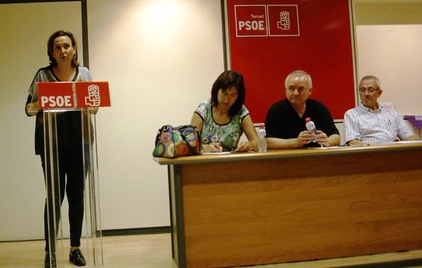 En la imagen, Pérez en la Asamblea Local