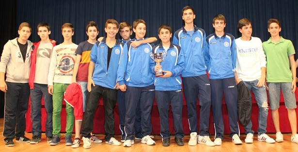 En la imagen, el equipo del CAB , ganador en baloncesto, categoria Cadete masculino