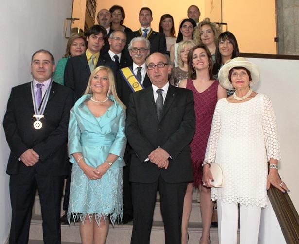 Foto de familia de los miembros del Rotary Club de Teruel