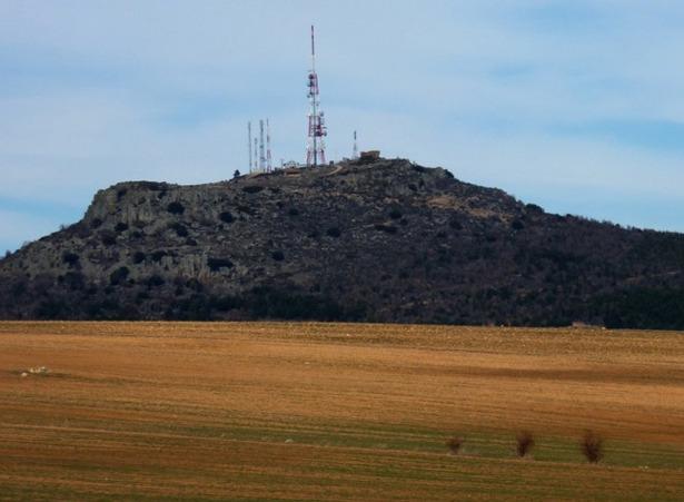 51 años han pasado desde que comenzó a tramitarse la instalación de un repetidor de televisión en el monte de San Ginés (Foto: www.atletismolasalle.com).
