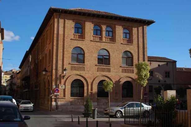 11 - Teruel - Teruel, edificio de Correos