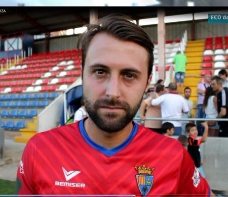 Una imagen de archivo de Cristian Arcega con la camiseta del CD Teruel