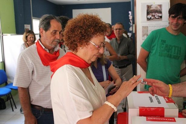 Un momento de las votaciones del PSOE en Teruel, esta misma mañana