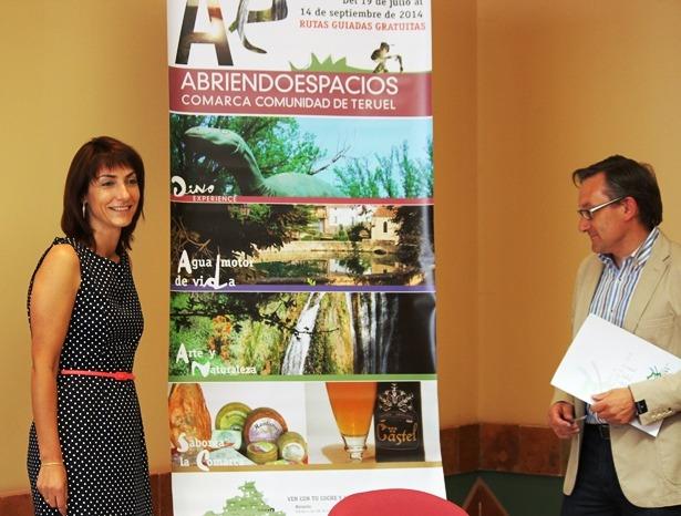 En la imagen , Carmen Alonso y Joaquín Juste, Presidente de La Comarca de Teruel