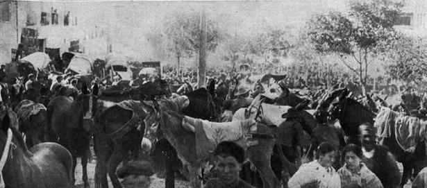 Por Real Orden de este día hace 107 años, se dispensa del descanso dominical a algunos comercios durante las ferias de ganado. En la imagen, la celebrada en 1903 (Foto: Uriel)