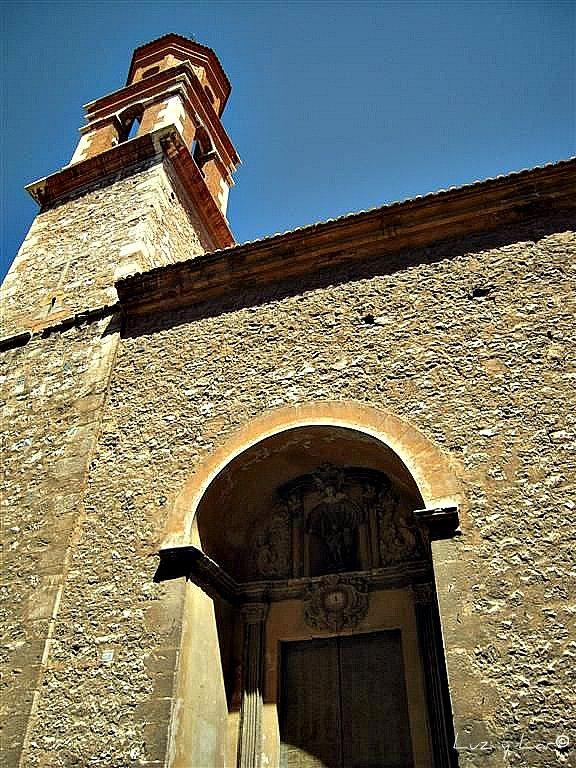 imagen de la entrada a la Iglesia de San Miguel.Foto de Mariluz Gonzalez Hidalgo