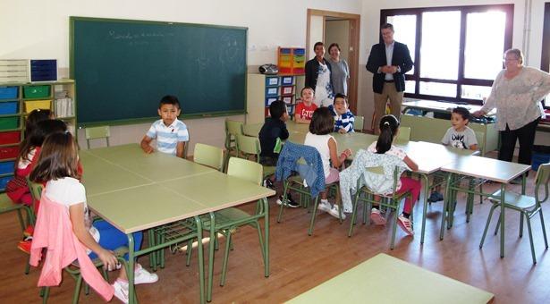 Visita aulas nuevas San Blas