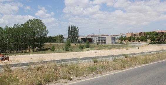 Parcela del polígono Sur, junto a la Carretera de Castralvo, donde podría ubicarse este nuevo ALDI