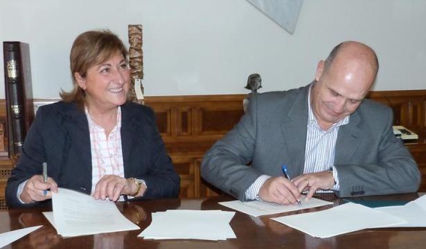 Carmen Pobo y el Presidente del CAI, Carlos Ranera