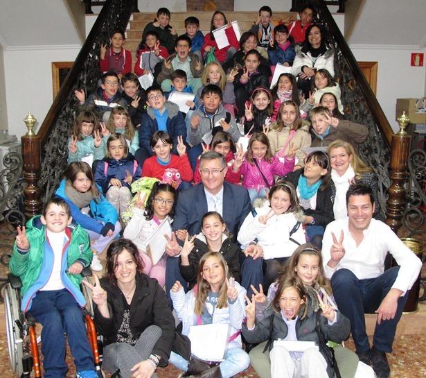 Alumnos de la fuenfresca visitan el ayuntamiento eco de - Colegio aparejadores teruel ...