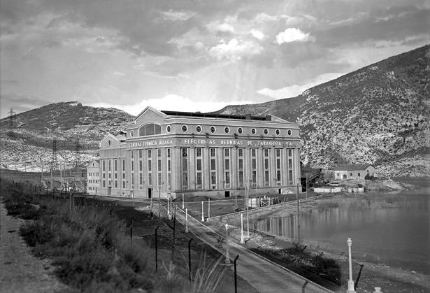 Térmica de Aliaga, cuya ampliación fue inaugurada un día como hoy, cuando corría 1958.