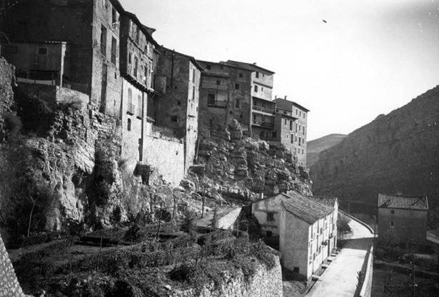 El hotel Albarracín, antes Azagra, fue promovido por el empresario Miguel Gargallo en 1977,