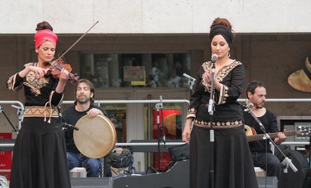 Les Morenillas , durante su actuación de ayer