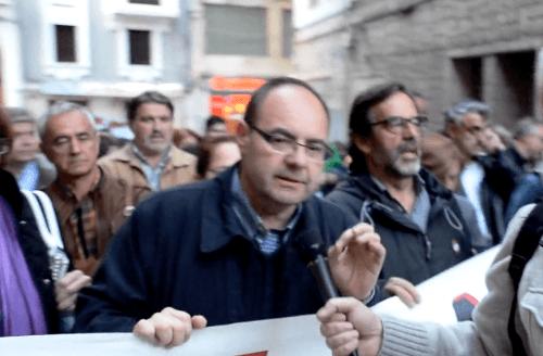 En la imagen, Jose Ramón Morro (PSOE) explicando el malestar por el cambio de itinerario