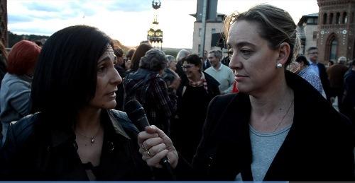 A la izquierda, Alexia Sanz, Vicerrectora del Campus de Teruel siendo entrevistada por nuestra compañera Amparo Hernández