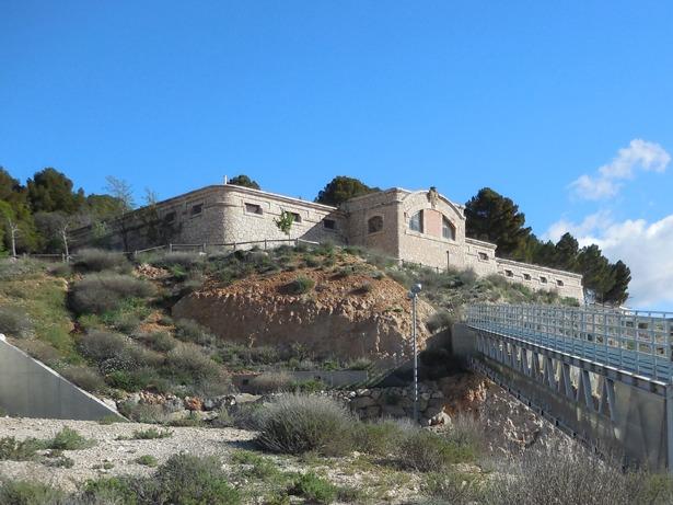 El depósito de aguas junto al cementerio entró en servicio hace 85 años.