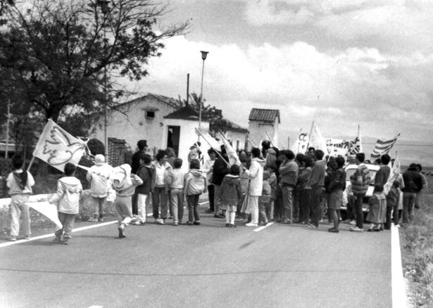Antes de su transformación en aeródromo industrial un sector de la sociedad reclamaba el cierre del polígono de tiro de Caudé (Foto: Diario de Teruel).