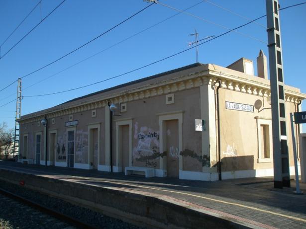 Estación de La Zaida (Zaragoza), donde llegó el tren de La Puebla de Híjar en1879 (Foto; unoscuantostrenes.blogspot.com)