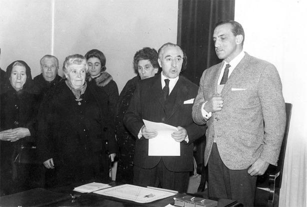 Cosme Gómez, popular alcalde de Teruel en los años 60, pronunciando un discurso (Foto: Documentos y Archivos de Aragón).