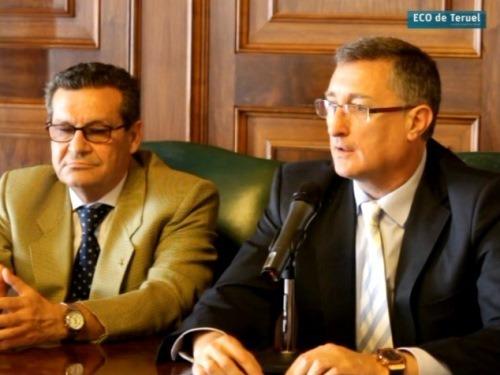 Escanero(a la izquierda) y Blasco , esta mañana hablando de la Residencia Turia