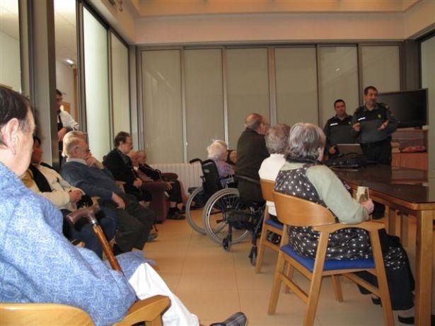 La residencia de Sarrión cumple 32 años. En la foto, charla allí impartida en diciembre de 2012.