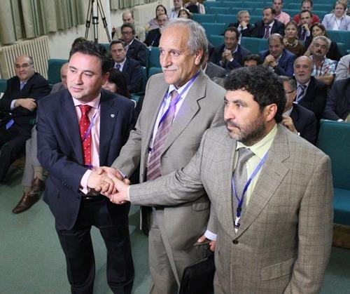 En la imagen, los recien elegidos.a la izquierda, Juan Ciercoles. En el centro , Carlos Torre y a la derecha Juan Carlos Escuder