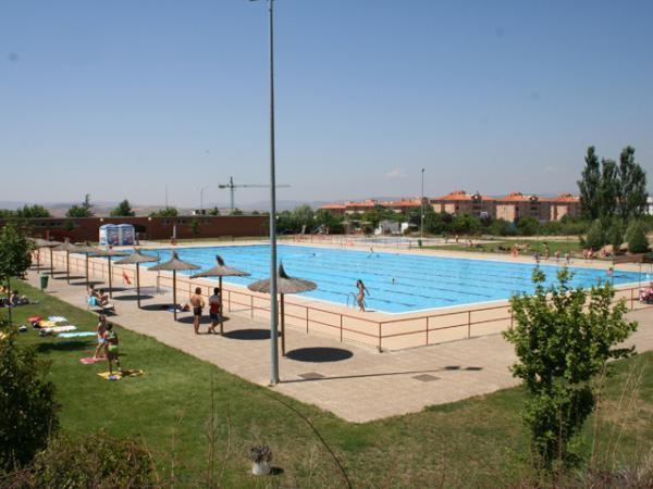 Las piscinas de teruel abren el 15 de junio manteniendo for Piscina teruel