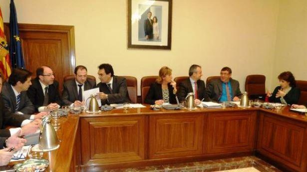 Pleno-Diputacion-Teruel_EDIIMA20150601_0465_4