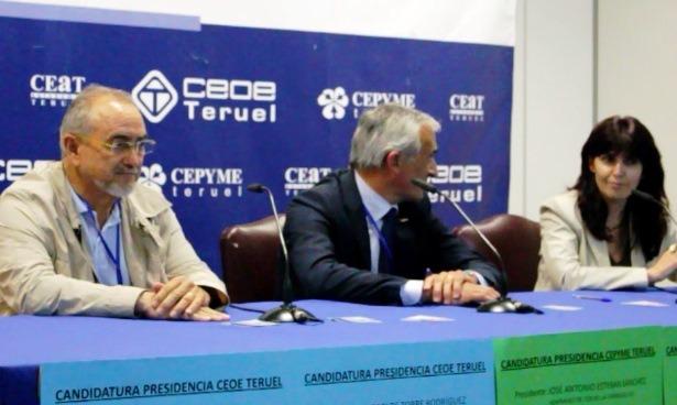 De izquierda a derecha, Enrique Bayona, Carlos Mor y Raquel Herrero , ayer en su despedida