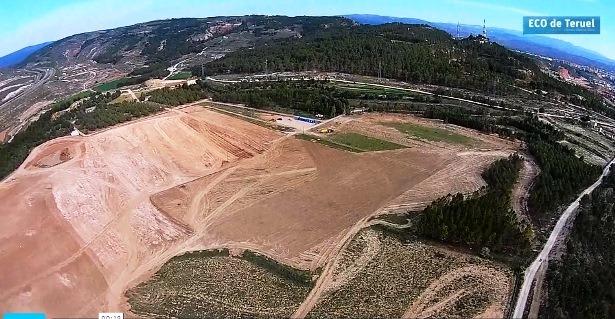 Una imagen aerea de las obras de movimiento de tierras del nuevo Hospital de Teruel