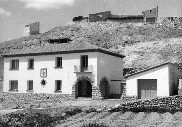 La casa del médico y Centro de Higiene Rural de Barrachina cumplen hoy 59 años (Documentos y Archivos de Aragón).
