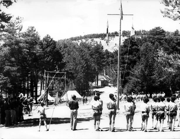 """Pie de foto.- El campamento """"Montes Universales"""" debutó en 1959; por el pasaron miles de muchachos y jóvenes turolenses de mano de la OJE (Organización Juvenil Española)."""