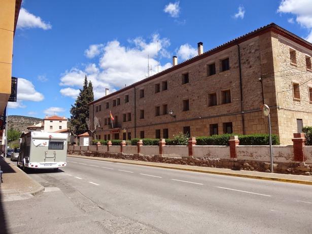 En 1935 se iniciaron los trabajos previos para la construcción del cuartel de la Guardia Civil de Mora de Rubielos (viajar-con-autocaravana.blogspot.com).