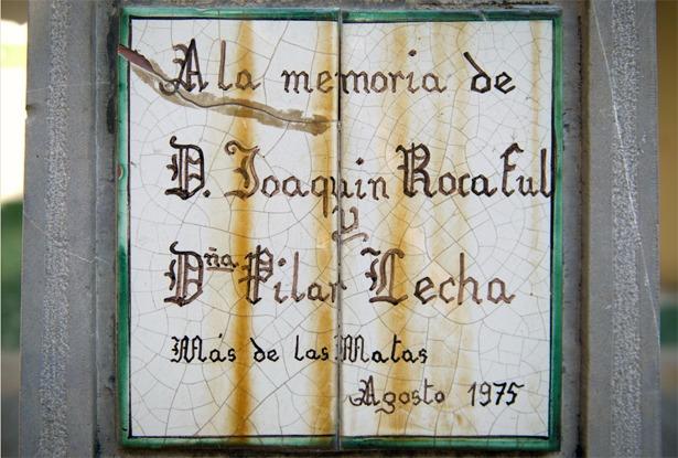 """Joaquín Rocaful """"El Tío Chapa"""" fue homenajeado junto a su mujer en su pueblo, Más de las Matas, un día como hoy de 1975 (Foto: Paco Climent, www.fqll.es)."""