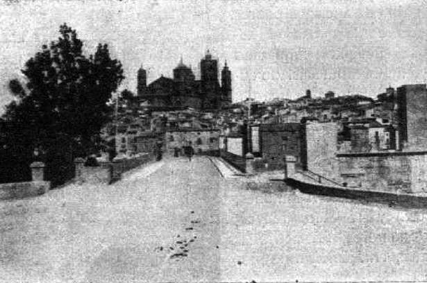 En 1912, Alcañiz fue objeto de importantes obras. En la foto, la ciudad calatrava hace un siglo.