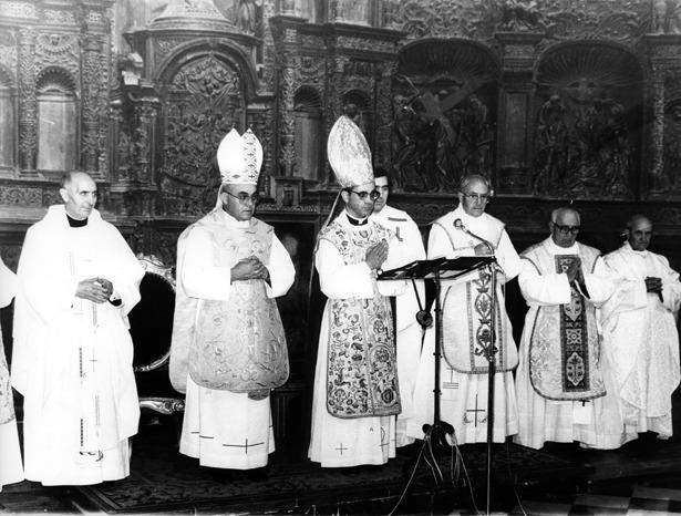 Santos Abril, cardenal desde 2012, estaba en Teruel un día como hoy de 1979. La foto corresponde a una visita posterior, seis años después, tras ser nombrado Arzobispo y nuncio en Bolivia (Foto: Diario de Teruel/Fidel Cantín).