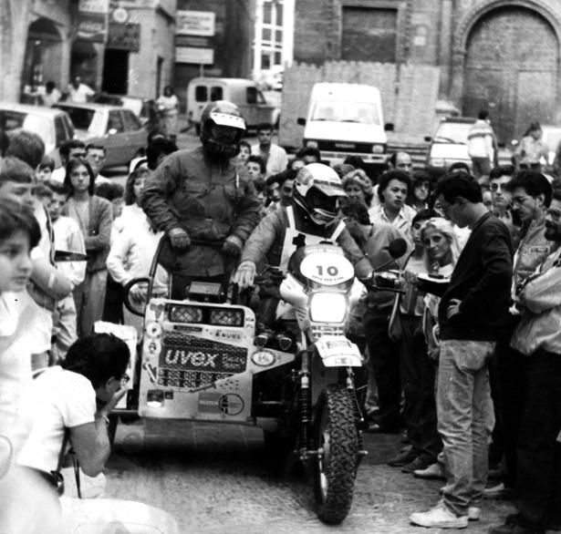 """Un participante en la primera edición de la """"Transpaña"""" parte de Alcañiz, un día como hoy hace 28 años."""
