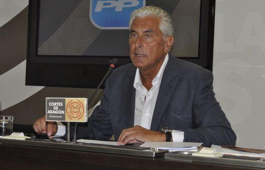 El portavoz del grupo parlamentario popular en la Comisión de Hacienda de las Cortes de Aragón, Antonio Suárez
