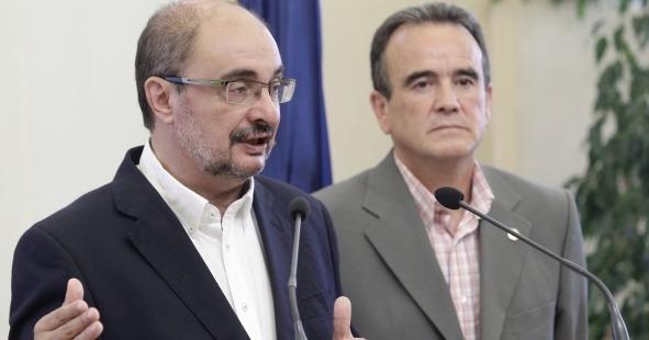 El presidente del Gobierno de Aragón, Javier Lambán,a la izquierda, ha mantenido un encuentro con el presidente de la Diputación de Zaragoza, Juan Antonio Sánchez Quero