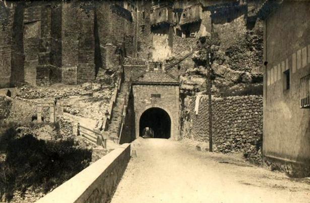 Las obras del túnel de Albarracín fueron subastadas en 1878, quedando concluido en 1882.